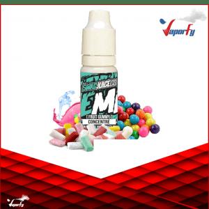 Faites-vous un e-liquide DIY orienté « retour en enfance » avec un concentré rempli de couleurs et de fantaisie ! L'arôme Macaque vous offre d'incorporer à vos créations un goût de bubble-gum fruité intense et surtout délicieux. Disponible dans la gamme Remix de Swag Juice, ce concentré importé de Malaisie vous promet un DIY follement addictif. Ce concentré diy est réservé aux préparations DIY. Il doit être mélangé avec une base en PG/VG selon un pourcentage précis (env. 15%) pour en faire un e-liquide consommable. Le concentré Macaque est proposé en flacon compte-goutte sécurisé de 10ml.